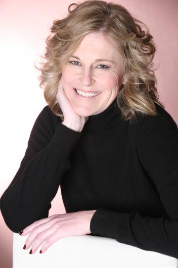 Helen Carr